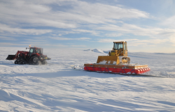 Snow cat during Greenland traverse